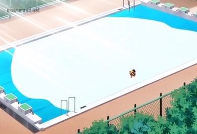 みんなが使うプールで生ハメ中出し!大量ザーメンがあふれてプールが精液まみれ!?