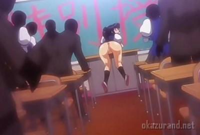【公開プレイ】授業中に教卓の上で下半身露出させられる女子校生!クラスメイトたちに恥部を見られた挙句に公開セックスまで.....!?