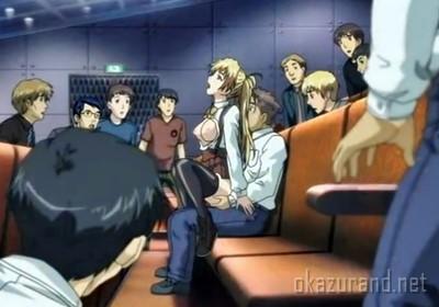 「やっ、やだ…これじゃ、みんなに丸見え…!?」映画館でこっそりセックスするカップル!でも周囲にはバレバレで….!?